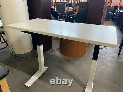 4'w Electric Sit/stand Height Réglable Table/desk Par Haworth Office Furniture